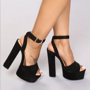 I Know I Can Heel - Black